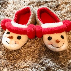 Shoes - ☃️ Snowman Slippers